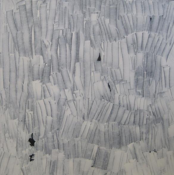 Disposición de forma blanca sobre azul profundo